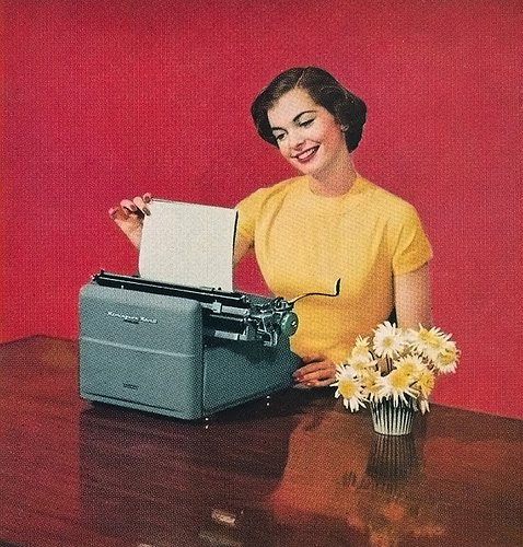woman_typing_vintage