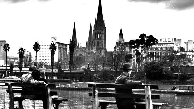 Melbourne 1946 by the Yarra