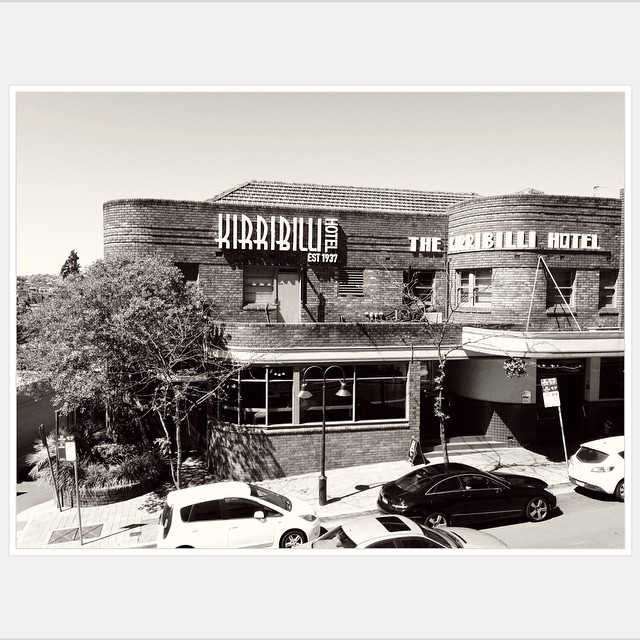 Love the art-deco style of iconic 1930s pub The Kirribilli. #kirribilli #milsonspoint #northsydney #artdeco #1930 #sydney