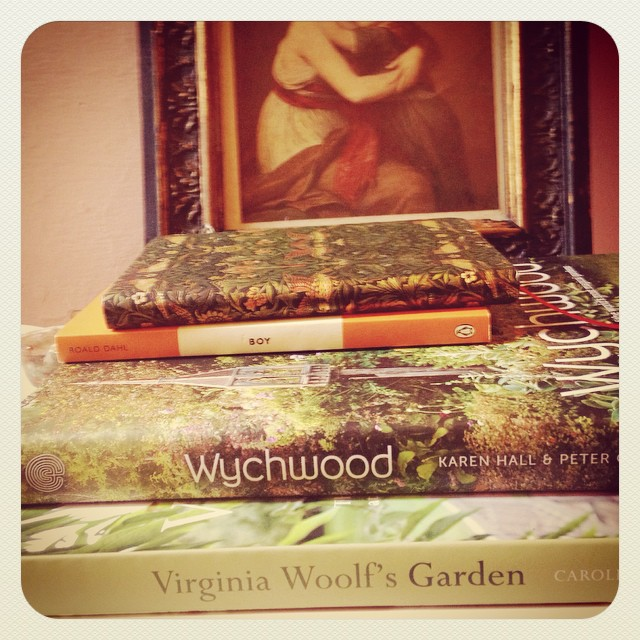 It's my birthday today. Books are always to me the perfect gift and I know these books by my bed are going to be enjoyed for many more birthday years! #bookworm #wychwood #virginiawoolfsgarden  #roalddahl #penguin #williammorris #journals #scorpio #spirit #blessed