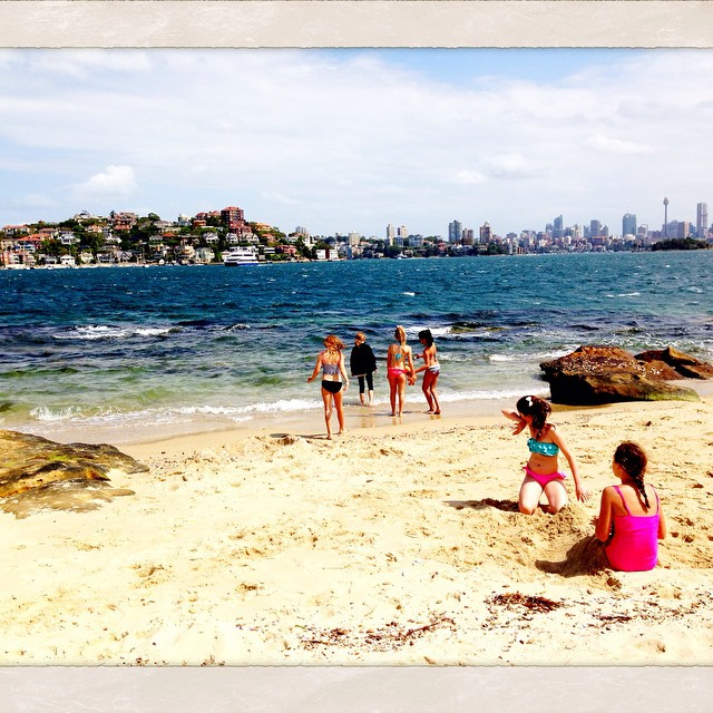 Gale winds on Shark Island today for @daizyiscrazy party.One of my favourite places in Sydney. #sharkisland #sydney #family