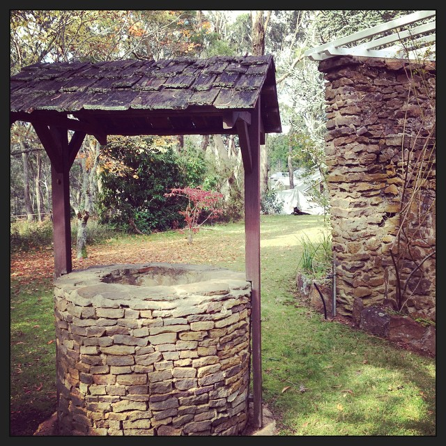 Every garden needs a wishing well. #familyhome #secretgarden #wishingwells#bluemountains #maymywishcometrue