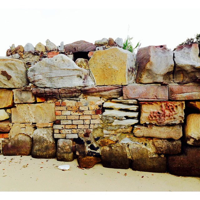 Stone wall at Shark Island #sharkisland #sydney