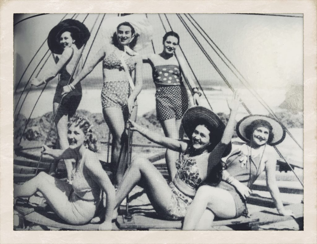 Pearl - second on back left with cast from The Women 1939 photo by Sam Hood